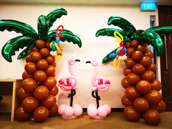 Balloon Palm Tree and Flamingo Sculpture