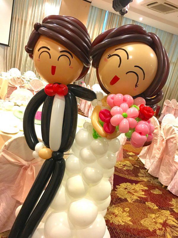 Balloon wedding couples Singapore scaled