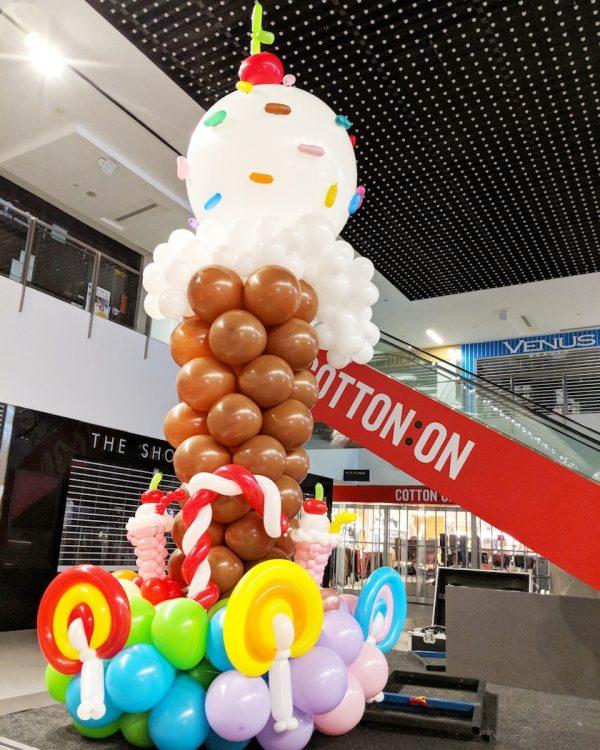 Large Balloon Ice Cream Sculpture 1