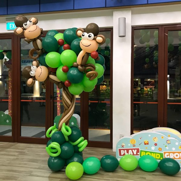 Monkey on Tree Balloon Decoration 1