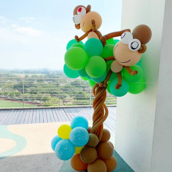 Monkey on Tree Balloon Decoration 2