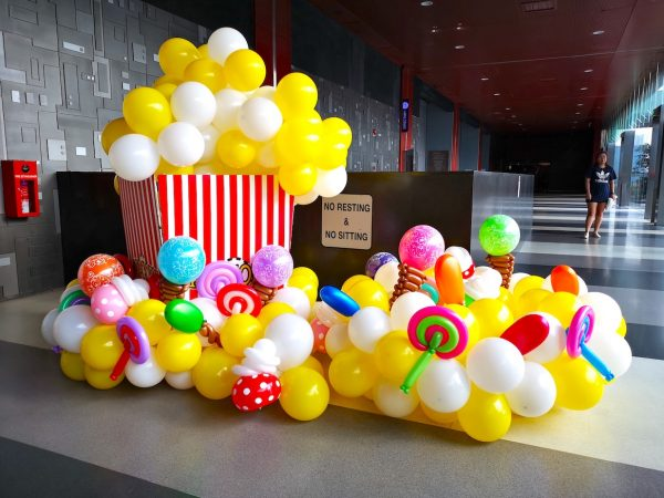 Popcorn and candies large balloon sculpture